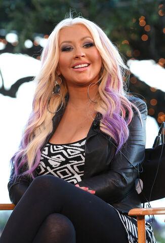 File:Christina+Aguilera+NBCUniversal+Voice+Press+hDYxwSbO DGl.jpg