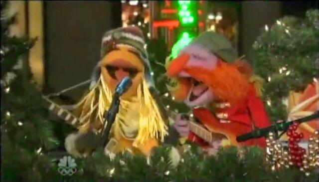 File:ChristmasInRockefellerCenter2009-Janice&Floyd.jpg