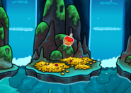 Club-penguin-candy-apple-pin-hidden-lake