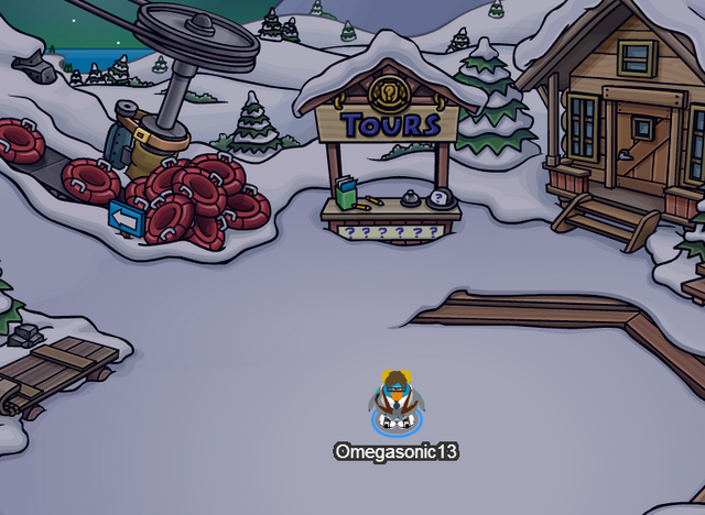File:Ski Village during Hallowen Party 2013 (Notice the belt from Mission 5 at Ski Lift).PNG