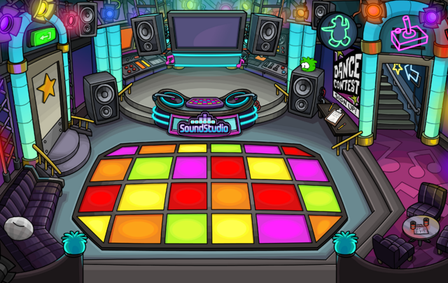 File:Dance Club July 2014.png