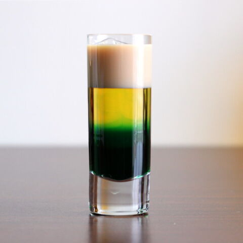 File:Irish-flag-drink-2-600x600.jpg