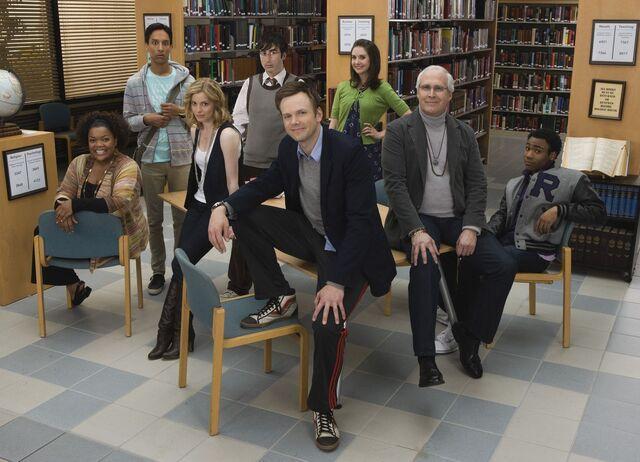 File:Community Season One promotional cast photo 1.jpg