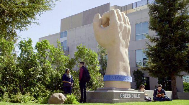 File:Giant hand.jpg