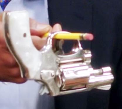 File:Annie's gun.png