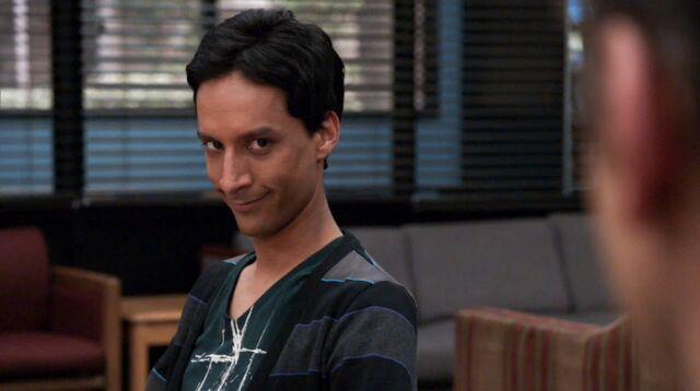 File:1x17 Abed 3.jpg