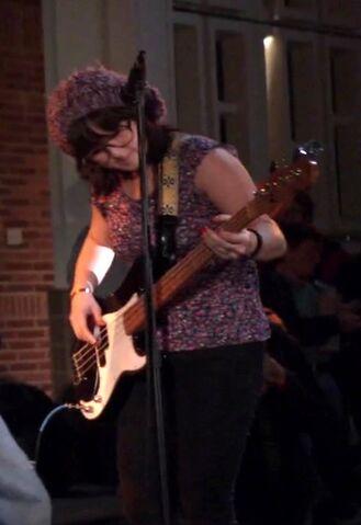 File:No Worries bassist.jpg
