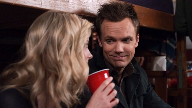 File:1x25 Jeff and Britta keg party3.jpg