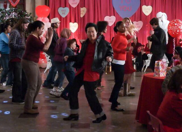 File:El Tigre Chino on the dance floor.jpg