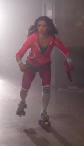 File:Female roller skater.jpg