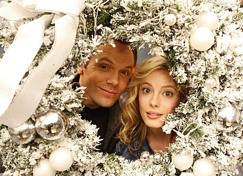 File:Jeff-Britta-Christmas 1.jpg