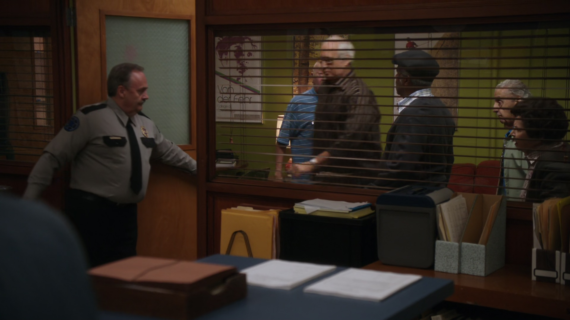 File:2x05-Hipsters office Leonard Pierce released.jpg