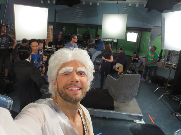 File:Joel McHale TV Insider Community Season Six Selfies 11.jpg