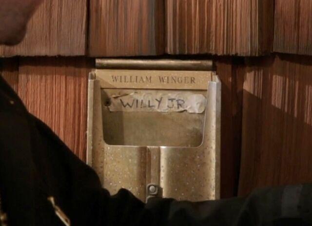 File:Winger mailbox.jpg
