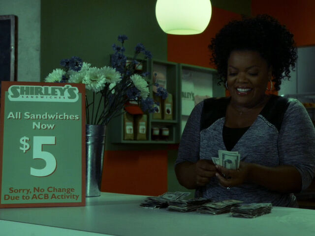 File:5x03-Shirley counts money.jpg