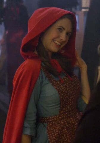File:2x6 Annie Little Red Riding Hood2.jpg