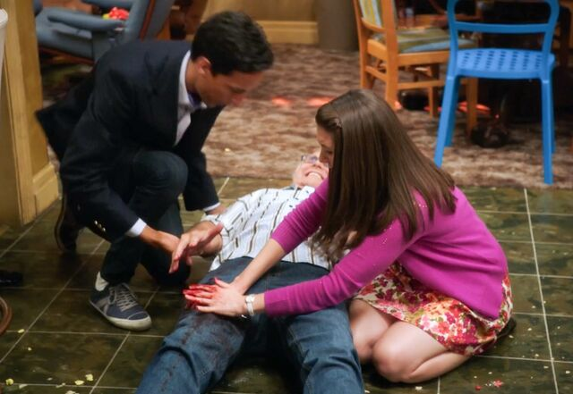 File:Annie tries to stop Pierce from bleeding out.jpg
