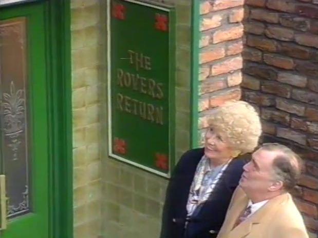 File:Episode 3928 (30th October 1995).jpg