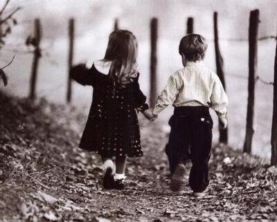 Boy-girl-holding-hands-ka