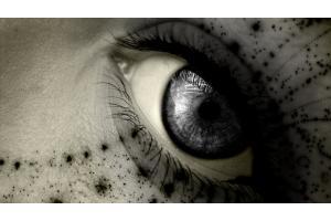 File:Dark eye.jpg