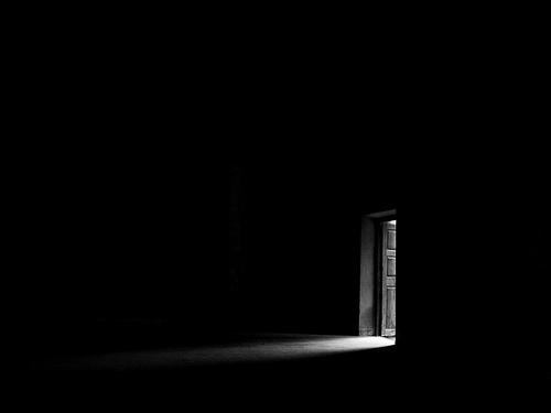 File:Light-in-the-dark-13lviur.jpg