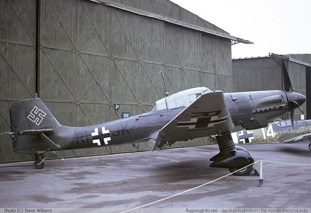 File:Junkers Ju 87 stuka is Beautiful.jpg