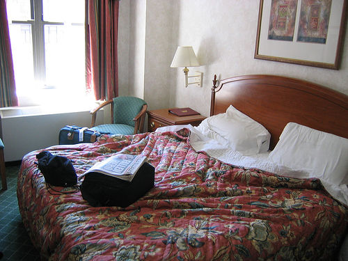File:Our room in the Red Roof Inn.jpg