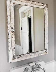 Bathroom2 Mirror LowRes-de-50954751