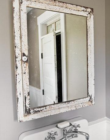 File:Bathroom2 Mirror LowRes-de-50954751.jpg