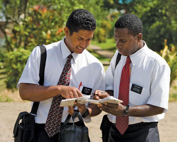 File:Missionaries-men-mormon2.jpg