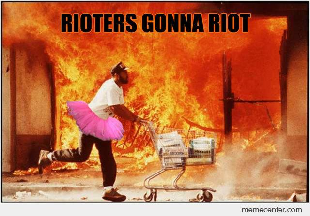 File:Rioters-Gonna-Riot o 92300.jpg