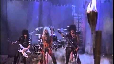 Mötley Crüe Looks That Kill Official Music Video