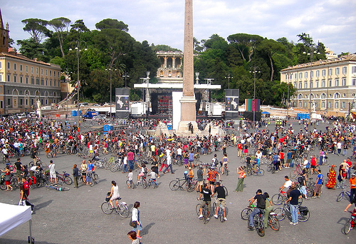 File:Critical Mass Rome - 26 May 2007.jpg