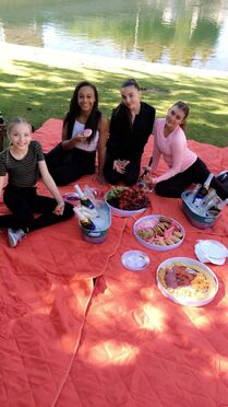 629 Girls picnic
