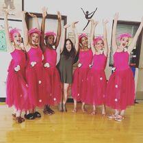 709 Gia w Group Dance