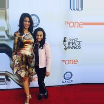 Holly and Nia at NAACP Image Awards 6Feb2015