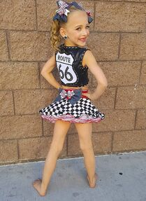 709 Lilliana solo costume
