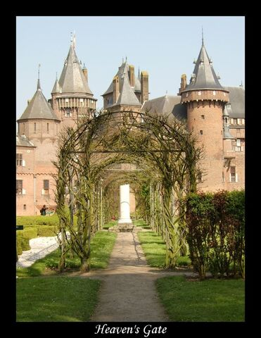 File:Heaven castle.jpg