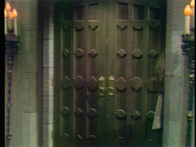 File:Collinwood-Foyer-Front door.jpg