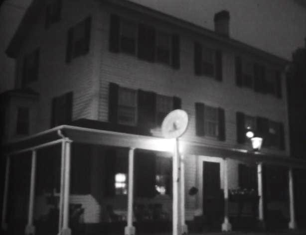 File:Collinsport Inn.jpg
