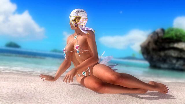 File:DOA5U Lisa Tropical.jpg