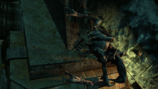 File:Alien necromorph prepairing to jump.png