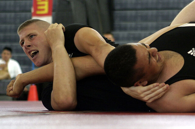File:800px-Submission wrestling.jpg