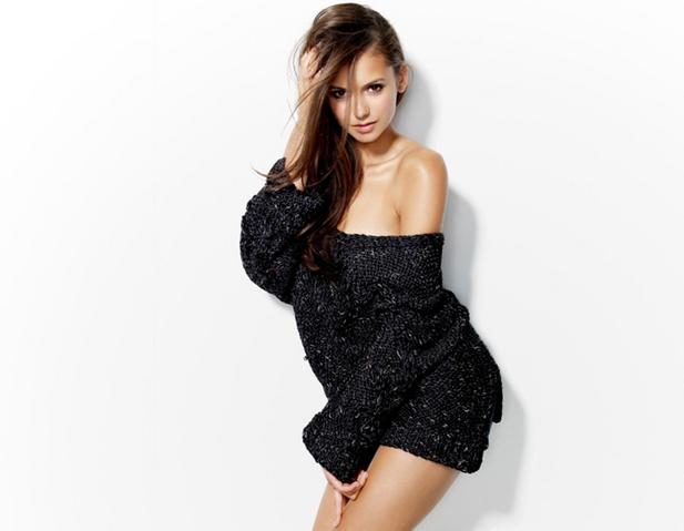 File:Nina dobrev sweater-.PNG