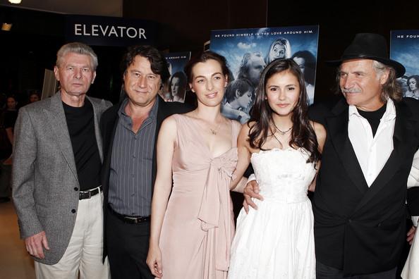 File:Ayelet+Zurer+Nina+Dobrev+Premiere+Samuel+Goldwyn+h-mSk6h8Ej0l.jpg
