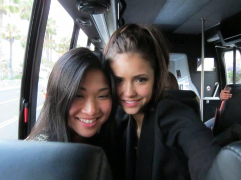 File:Nina dobrev and jenna (glee).jpg