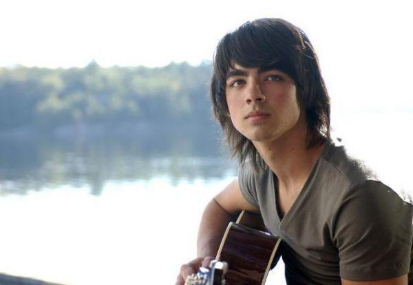 File:Joe-Jonas-as-Shane-Gray-camp-rock-1404238-600-415.jpg