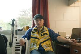 File:Scott yellowscarf.jpg