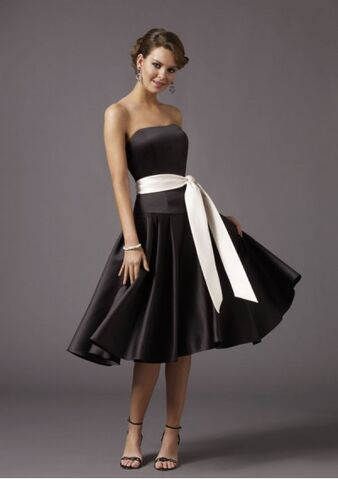 File:Bridesmaid-dress-sash-7.jpg