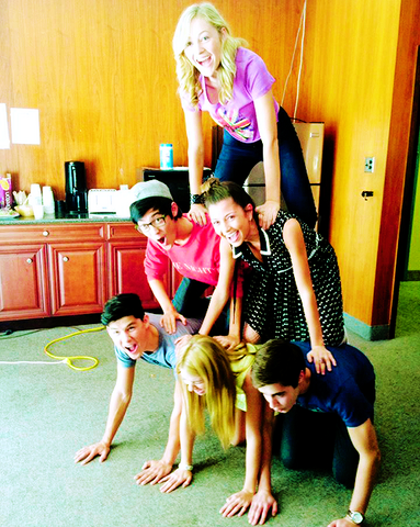 File:Degrassi cast photo spam - 14.png